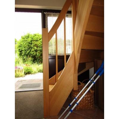 eukalyptus haust r 1 4 gewendelte treppe in stinteck. Black Bedroom Furniture Sets. Home Design Ideas